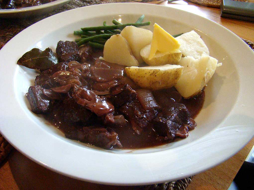 Boeuf bourguignon the olde french classic dalelicious - French classical cuisine ...